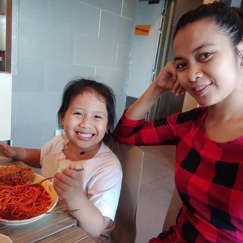 Au pair Ann Gelyn in Philippines